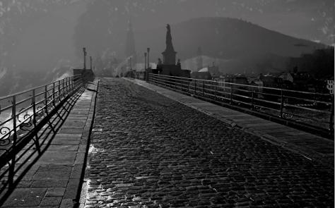 Brücke schwarz-weiß